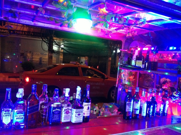 The mobile street bars