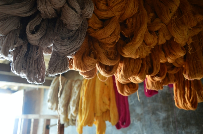 Handloom colors of the local art of carpet weaving