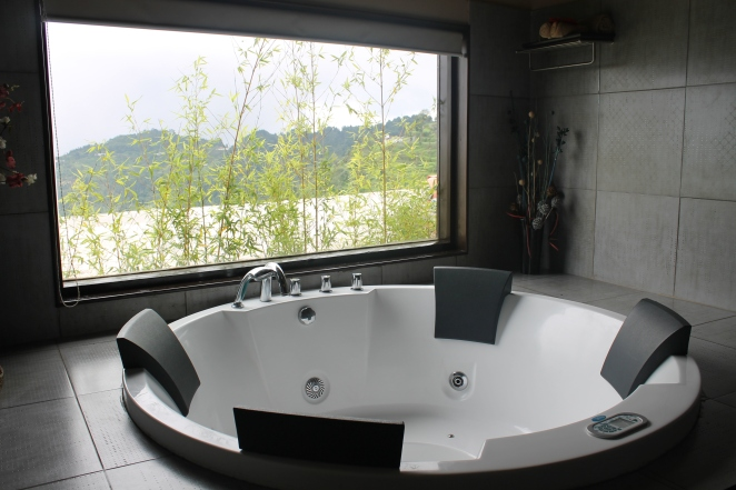 kanatal terraces jacuzzi